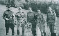 1950г. Станиславская обл. Разведывательно-поисковая группа МГБ.jpg
