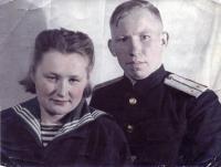 1945 г. Северный флот Егоровы А.П. и А.М..jpg