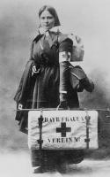 Weltkrieg Rote Kreuz Schwester des Bayrischen Frauenvereins in Feldausruestung - 1915.jpg