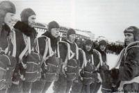 Парашютисты, 1933.jpg