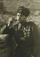 Командир роты 393-го отдельного батальона морской пехоты имени Куникова капитан Александр Васильевич Райкунов..jpg