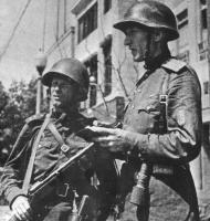 DvKM5 Советский офицер в СШ-36.jpg