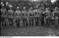 Bundesarchiv_B_145_Bild-F016210-0022A,_Bessarabien,_Ordensverleihungen_durch_Hans_v__Ahlfen.jpg