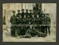 Группа преподавателей и слушателей военно-химической академии РККА.jpg