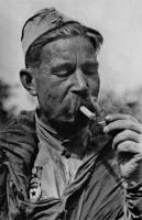 Разведчик старший сержант А.Г. Фролченко. 1943 г.jpg