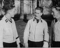 SS-Weisser uniforme (3).jpg