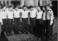 SS-Weisser uniforme (5).jpg