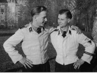 SS-Weisser uniforme (1).jpg
