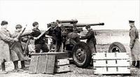 85-mm_air_defense_gun_crews_of_732th_Anti-Aircraft_Regiment.jpg