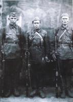 СВТ-40. Три бойца.jpg