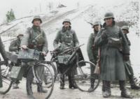 Bicycle-Truppenfahrrad-radfahr-rad-bike-Wehrmacht-Nazi-bike-force-German-soldiers.jpg