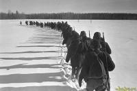 Северо-западное направление. Партизанский отряд уходит в тыл врага. 1942.jpg