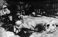 Партизанский отряд в засаде. Март 1942 г.jpg