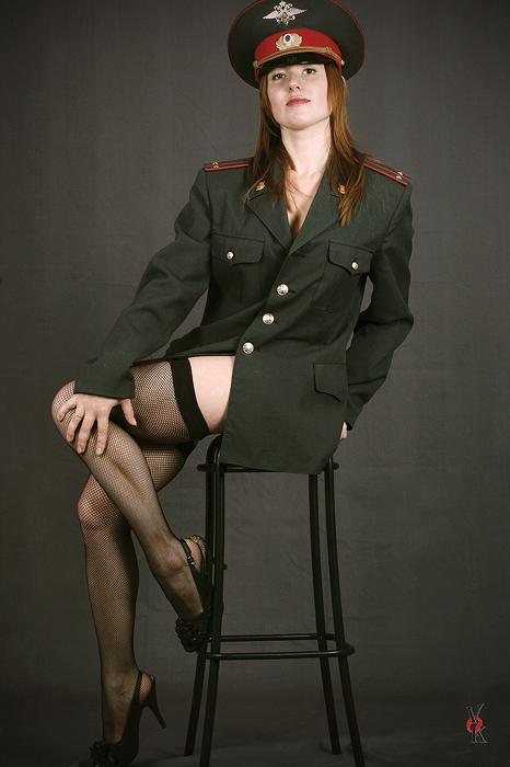 Сексуальные девушки военной форме